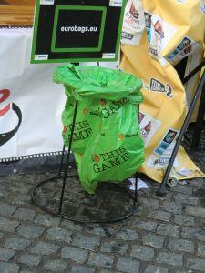 Papierkorb in der Stadt